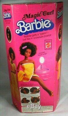 1981 SUPERSTAR ERA Magic Curl Christie BARBIE Mattel #3989 NIB