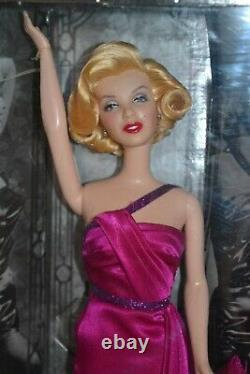 2001 Collector Edition MARILYN MONROE How To Marry A Millionaire Barbie GIFT SET