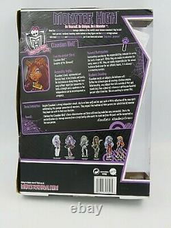 Monster High Figure Doll Clawdeen Wolf School's Out Line 2011 10.5 New in Box