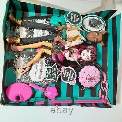 Monster High Forbitten Love Clawd Wolf & Draculaura Doll Set Dolls 2010