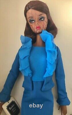 SILKSTONE Barbie CITY CHIC SUIT 2015 #DGW57 NRFB