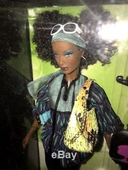 Top Model Nikki Barbie Doll 2007 African American Model Muse Fashion Set # M6777