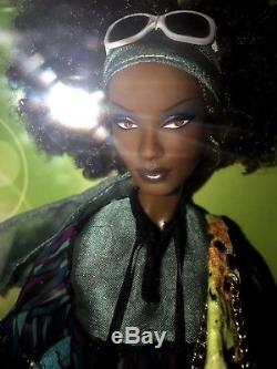 Top Model Nikki Barbie Doll 2007 African American Model Muse Fashion Set # M6777
