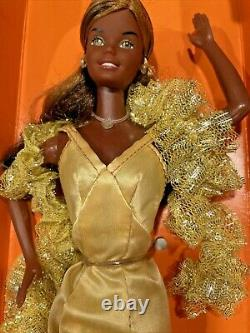 Vintage 1976 Superstar Christie Barbie #9950 African American MINT IN BOX