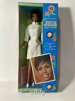 Vintage Barbie 1968 Diahann Carroll As Julia Doll Mattel Twistnturn Nrfb