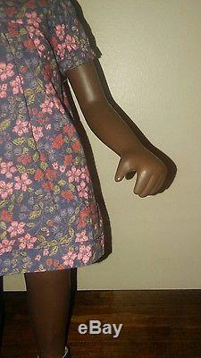 Vtg SASHA DOLL African American CORA Serie England Flower Dress & Sandals EXC